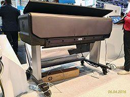 Защитный чехол HP Rugged Case. Частично открытый чехол, вид сзади