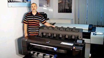 HP Designjet T1500 и T1300 Видео сравнение