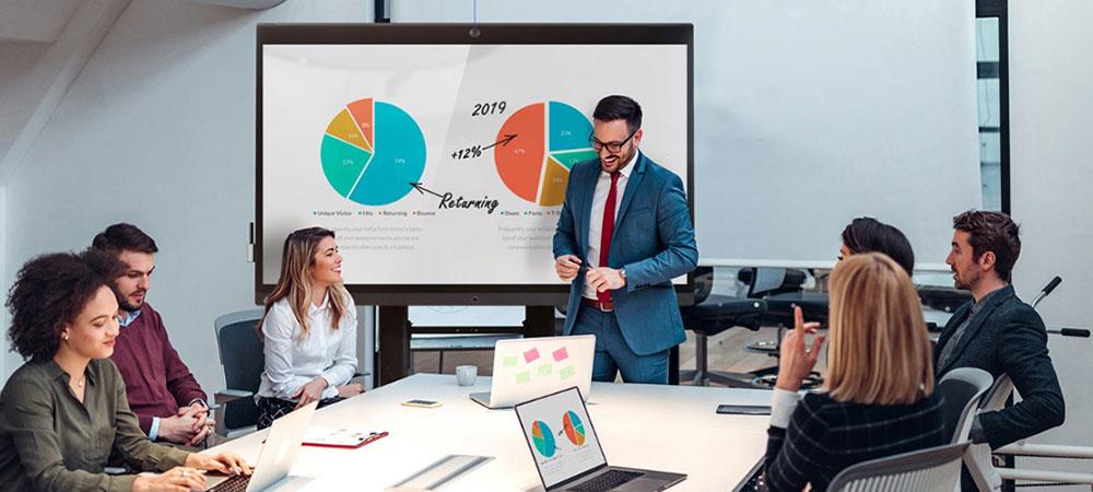 Интерактивная панель на совещании