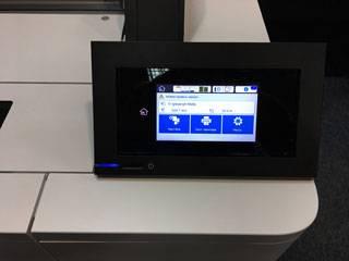 Экран управления широкоформатным принтером Epson SureColor T5400.jpg