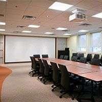 Проектор для конференц залов и залов для совещаний